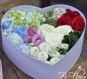 Hoa hộp trái tim 05